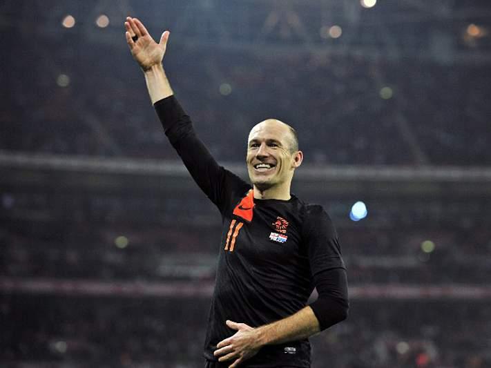 Selecionador holandês ataca adeptos do Bayern por assobios a Robben