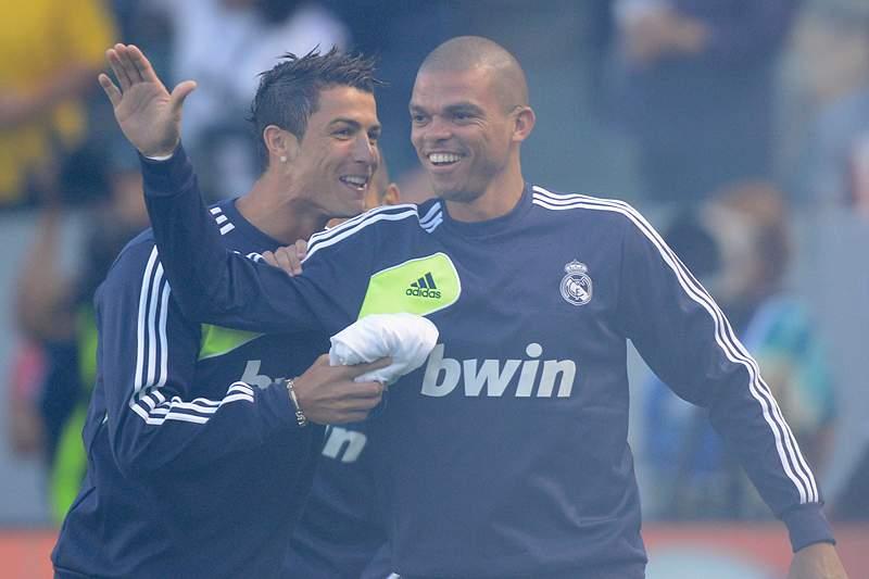 Cristiano Ronaldo e Pepe jogam juntos no Real Madrid.