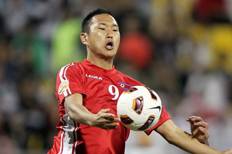 Jogador norte-coreano muda-se para Coreia do Sul