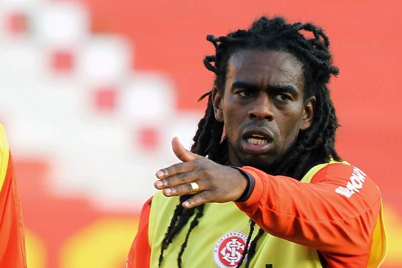 Clube peruano multado em 8,7 mil euros por insultos racistas