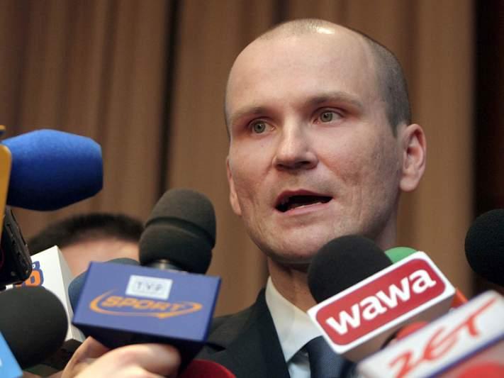 Antigo ministro condenado a três anos e meio de prisão