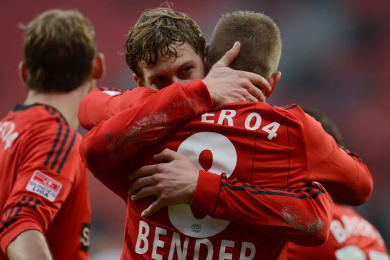 Leverkusen lidera com um golo