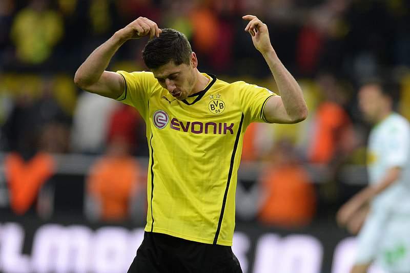 Dortmund isola-se no segundo lugar
