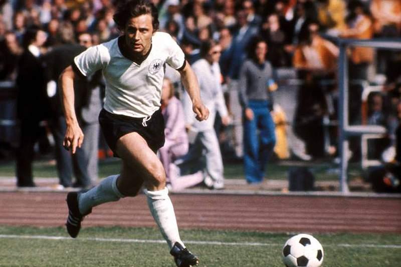 Morreu o antigo futebolista Heinz Flohe