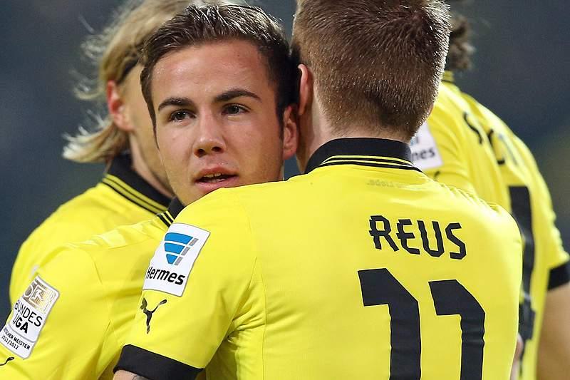 Dortmund vence e segura segundo lugar