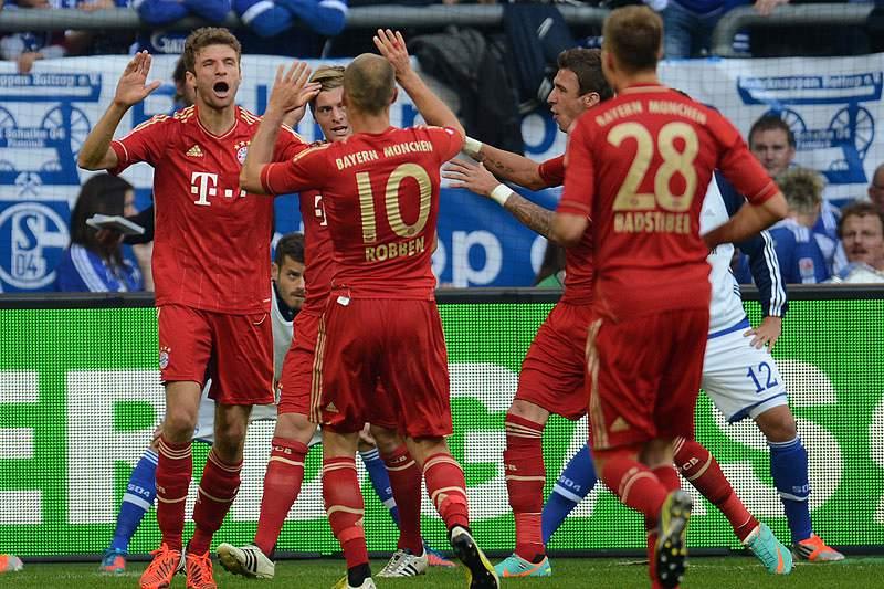 Bayern goleia Kaiserslautern