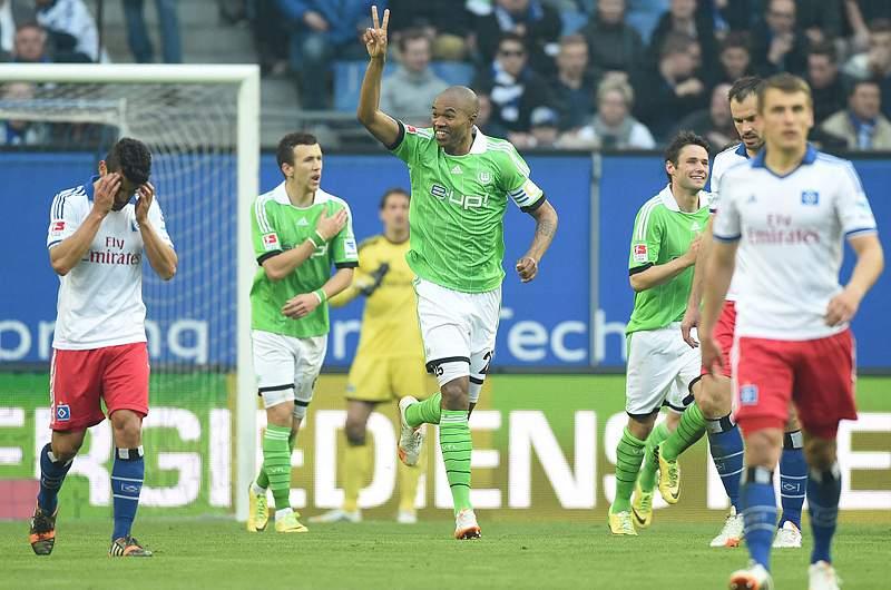 Wolfsburgo vence em Hamburgo e sobe ao quarto lugar