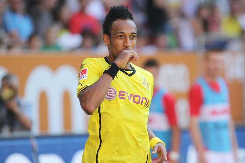 Dortmund entra a vencer com hat-trick de Aubameyang