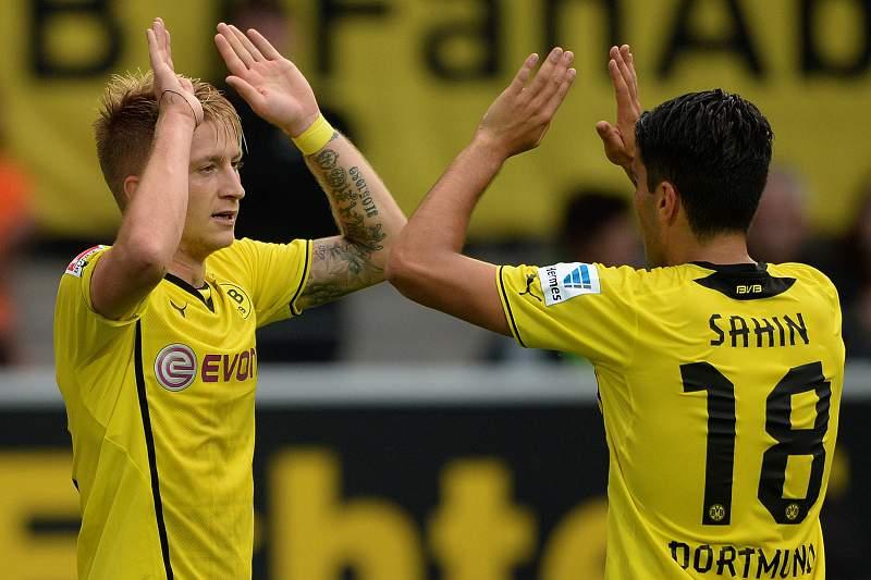 Borussia vence e sobe à liderança