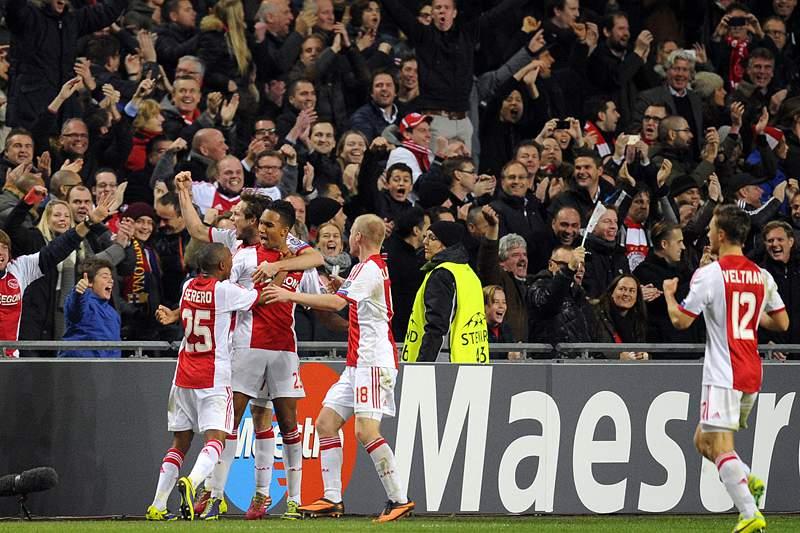Queda de adepto do Ajax deveu-se a acidente