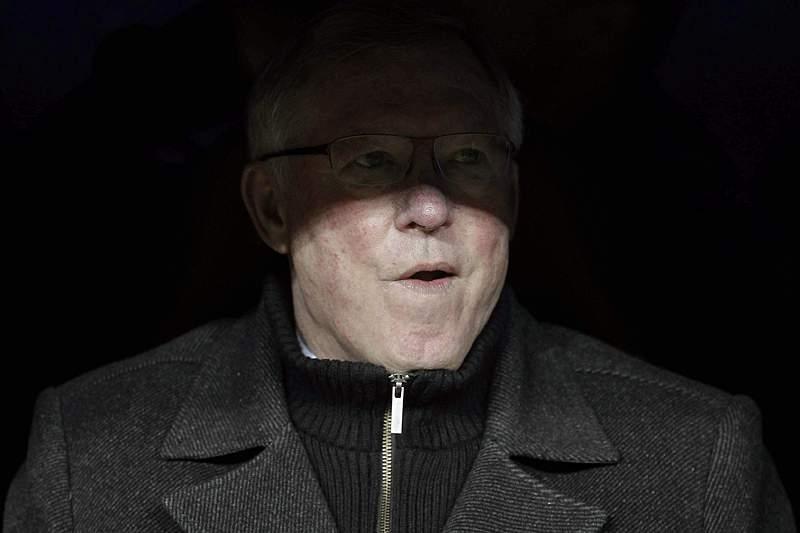 Ferguson apupado em Old Trafford