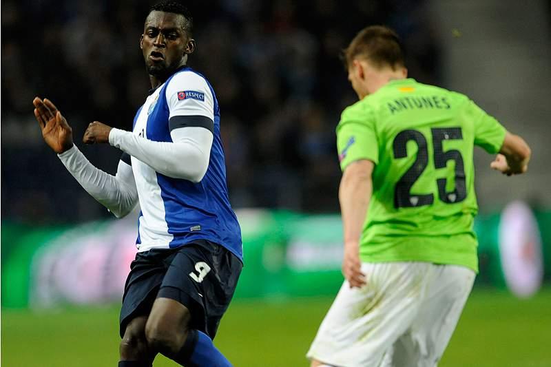 Jogadores do Málaga sentem-se «competentes» para ultrapassar FC Porto «de respeito»