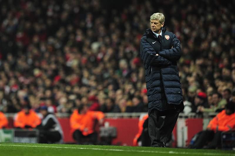 Wenger vai renovar com salário milionário