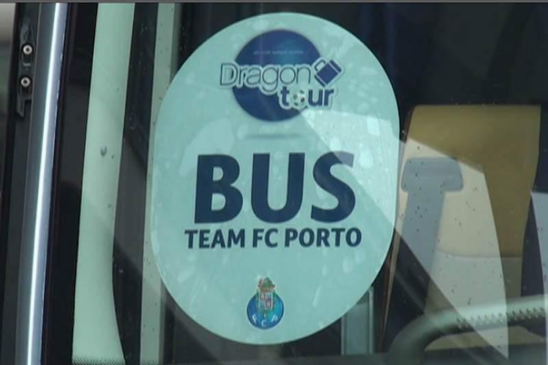Adeptos insultam equipa no aeroporto Sá Carneiro