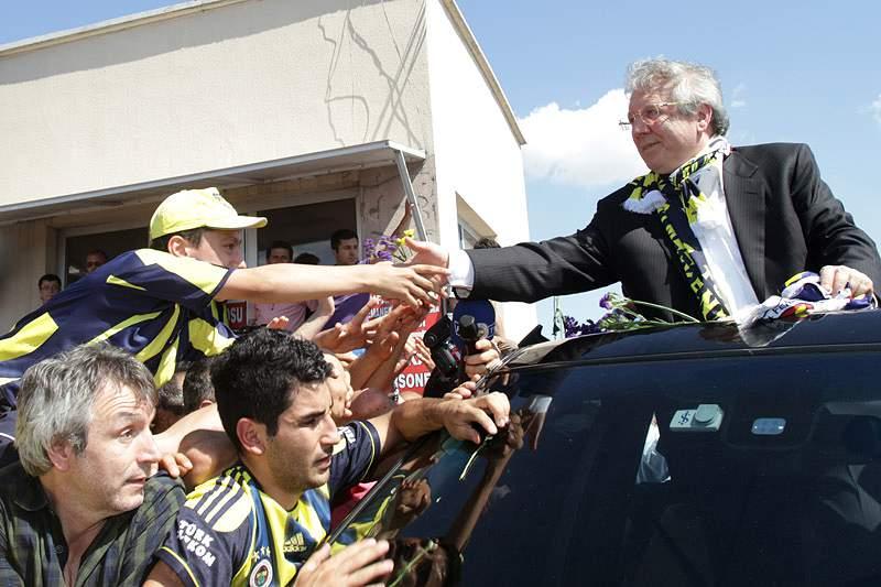 Fenerbahçe reabilitado a participar na Liga dos Campeões