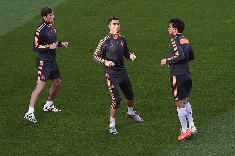 Pepe e Benzema no treino do Real Madrid