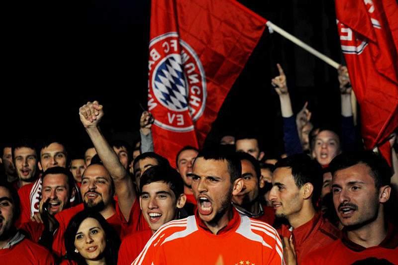 Bayern vence Leverkusen e soma 50.º jogo sem derrotas