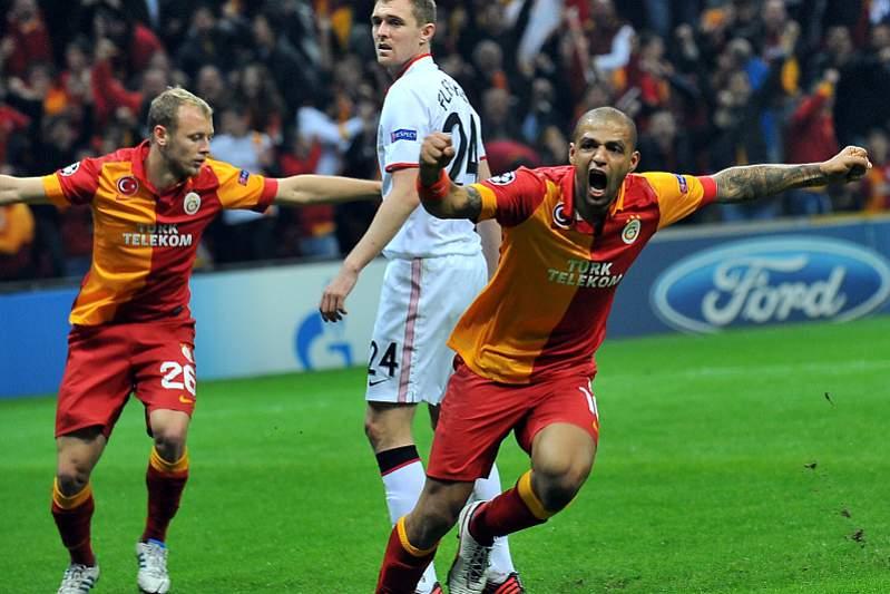 Manchester deixa Galatasaray sonhar