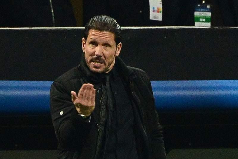 UEFA abre processos disciplinares a Xabi Alonso e Simeone