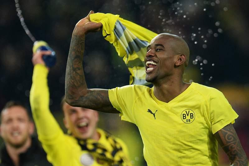 """Adeptos do Dortmund """"esgotam"""" final"""