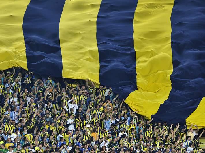 Ersun Yanal é o novo treinador do Fenerbahçe