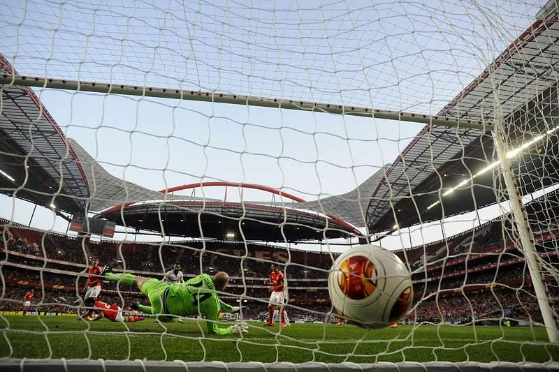 Benfica ultrapassa Manchester United e é 5.º