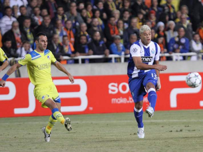 FC Porto complica vida no Chipre