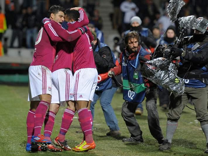 Lyon triunfa sobre o Evian