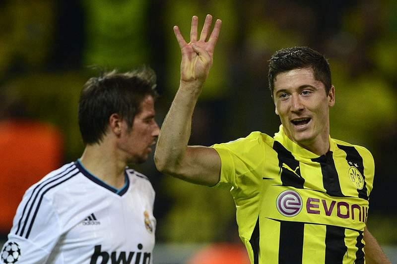 Real Madrid negoceia Isco e Lewandowski