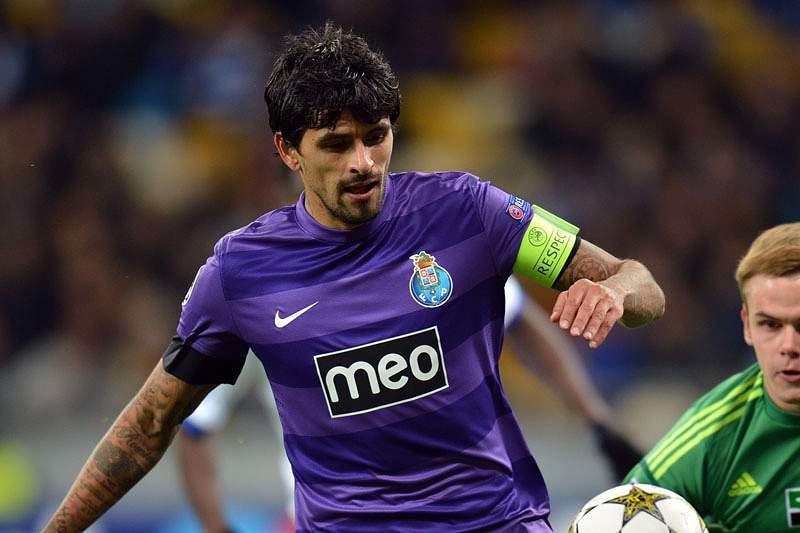 Treinador do Dínamo de Zagreb atribui favoritismo ao FC Porto