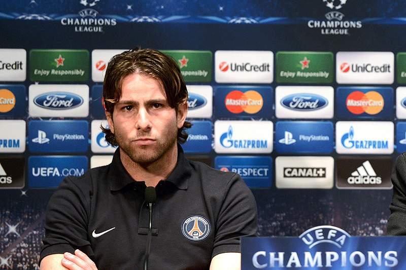 Maxwell renova contrato por uma época com o Paris Saint-Germain