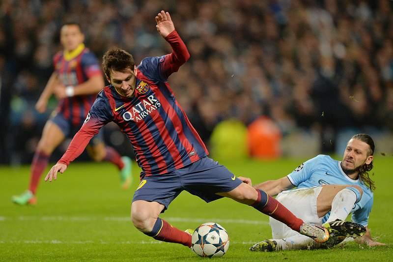 Barcelona dá passo gigante para os 'quartos'