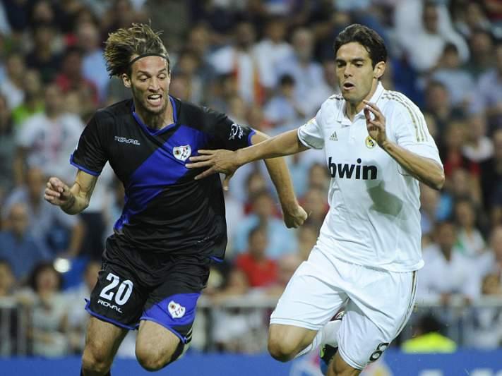 Kaká convocado no regresso de Coentrão à Luz