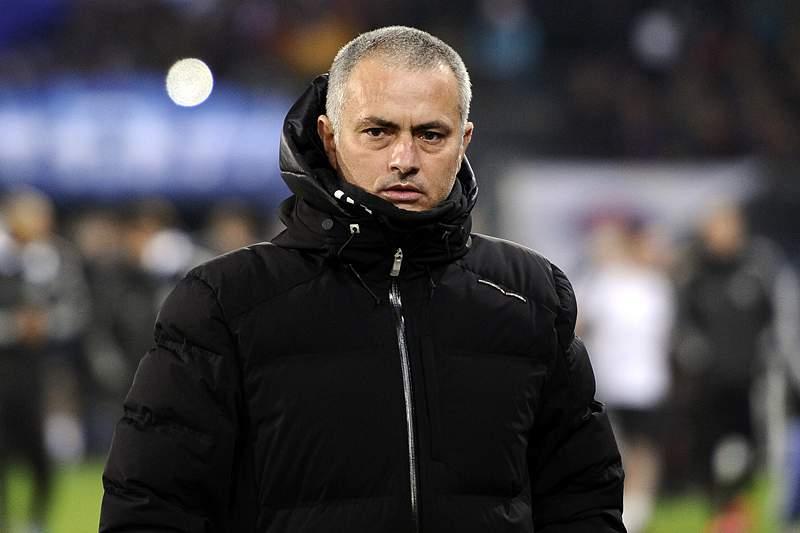 José Mourinho rejeita polémica com Ashley Cole