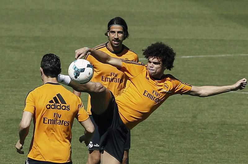 Cristiano Ronaldo e mais seis no ginásio