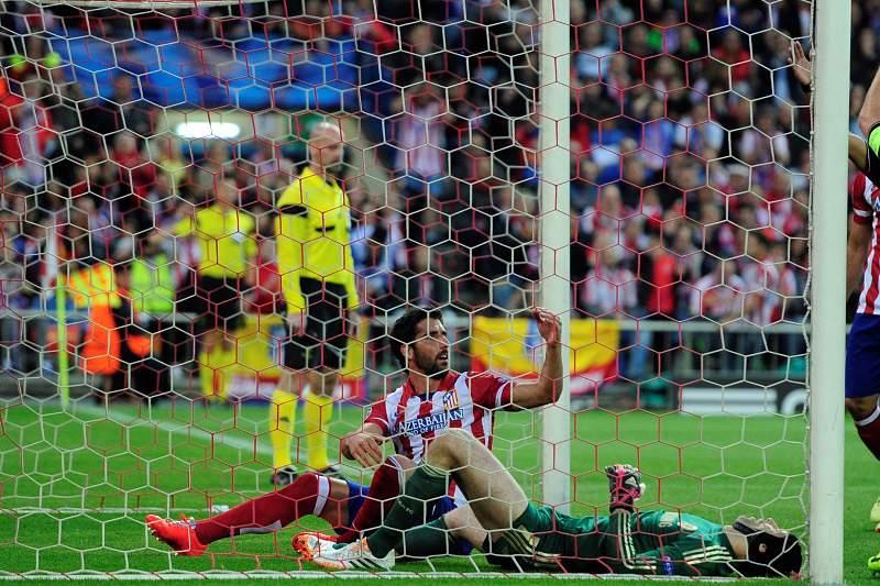 Cech regressa dentro de oito a 10 semanas
