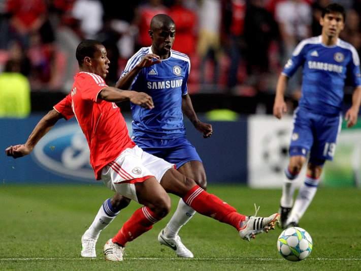 Eliminar Benfica vale 50 mil euros a cada jogador do Chelsea