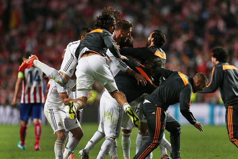 Casillas ergueu La Décima na Luz