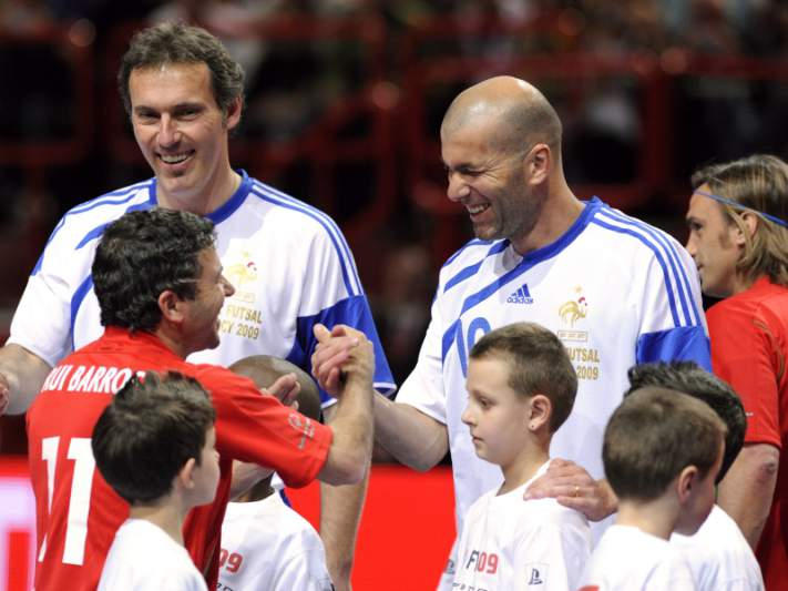 Jogo Contra a Pobreza de Ronaldo e Zidane reverte a favor das Filipinas