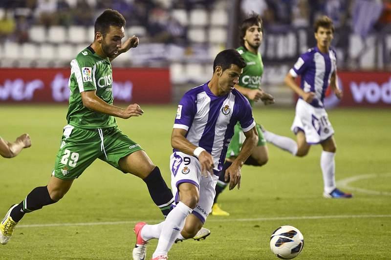 Valladolid goleia Rayo Vallecano