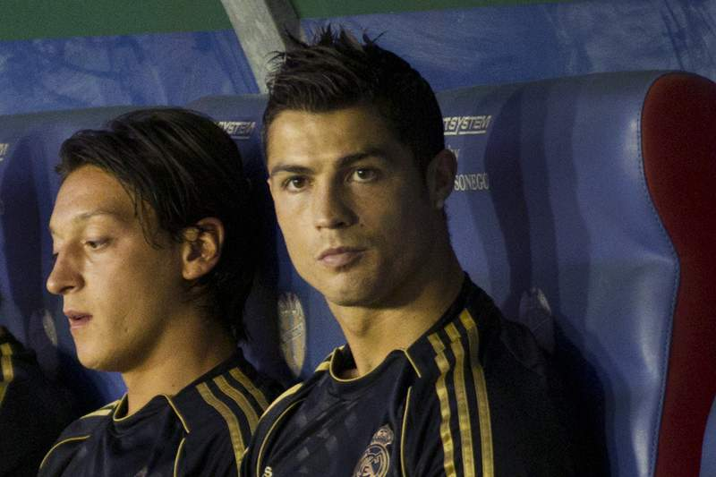 Ronaldo falha dérbi e é duvida para Dortmund