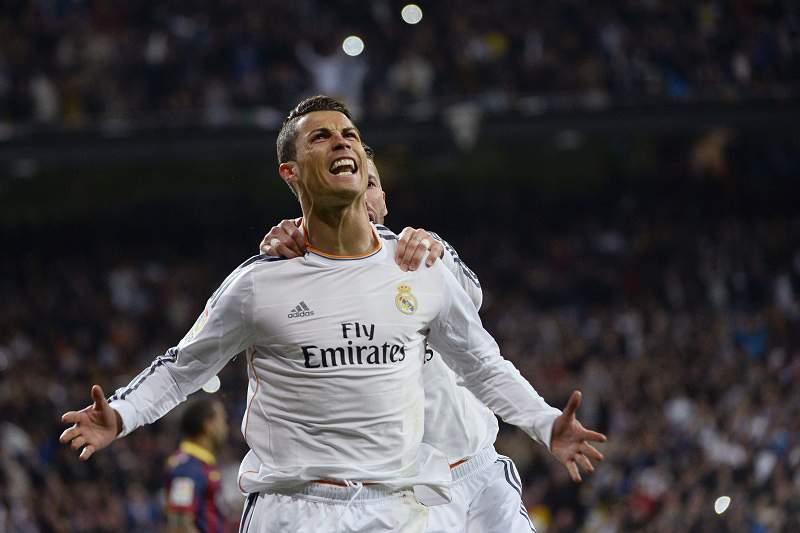 Ronaldo iguala feito de Messi e Altafini
