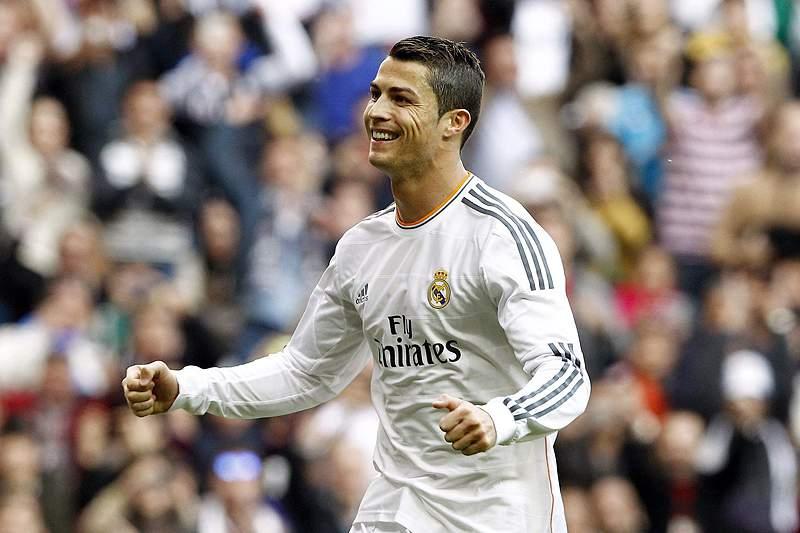 Homenagem com 40 mil peças para Cristiano Ronaldo