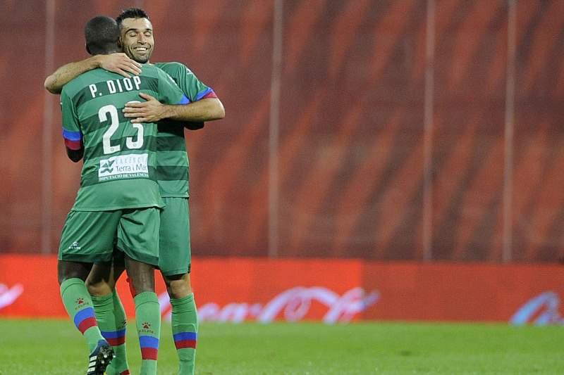 Levante derrota Elche na abertura da 16.ª jornada