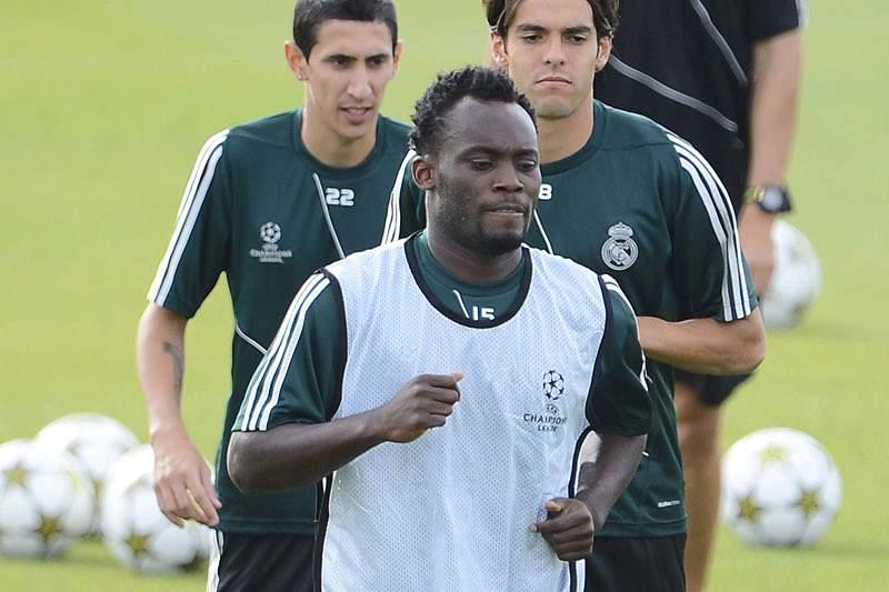 Essien vê Mourinho como um pai