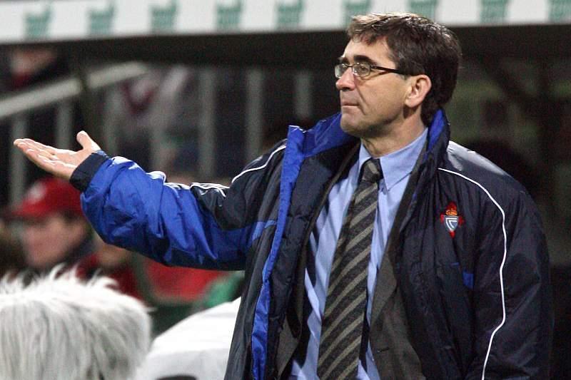 Treinador do Deportivo diz-se ofendido com suspeições na goleada ao Levante