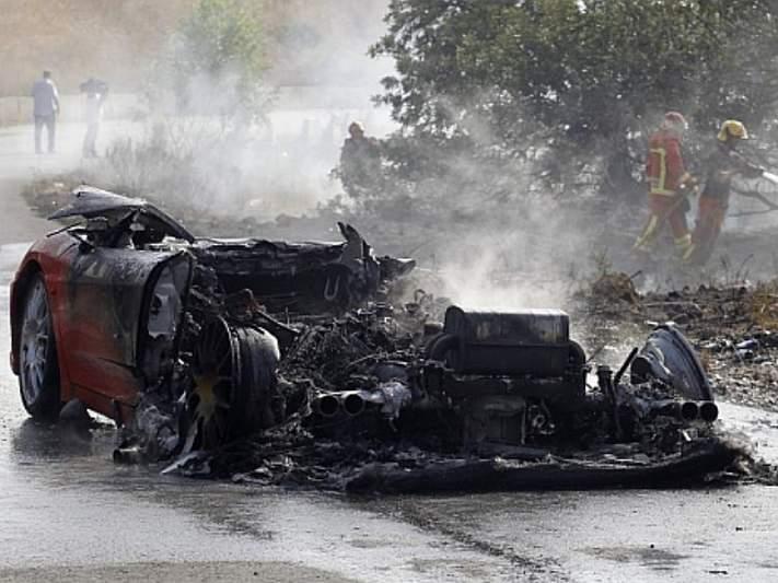 Ferrari de Banega explodiu