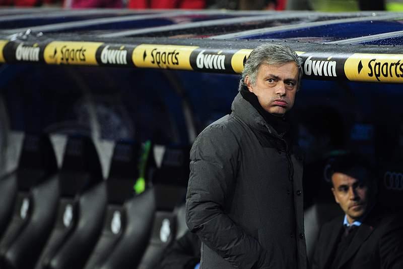 Adeptos do Real assobiam Mourinho