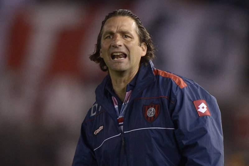 Pizzi confirmado como novo treinador do Valência