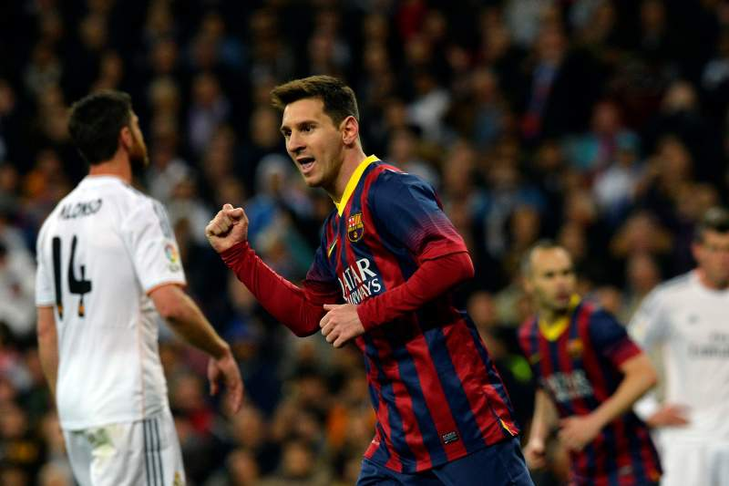 Messi vira 'Clássico louco' a favor do Barcelona
